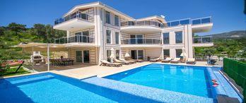 300 bin kişi yaz tatili için villa kiraladı