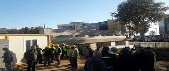 Ege Yapı inşaatında işçilere 'keserle' tehdit