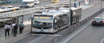 Metrobüs hattı Silivri'ye kadar uzatılacak