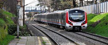 İstanbul'un banliyö hatlarında peronlar hazırlanıyor
