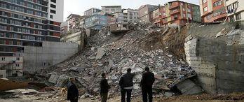 Kağıthane'de çöken binayla ilgili suç duyurusu