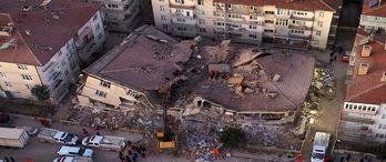 Elazığ depreminde kaç bina yıkıldı?