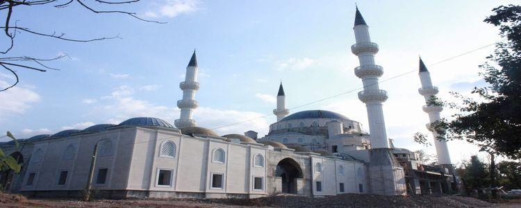 Orta Asya'nın En Büyük Camisi Hızla Yükseliyor!