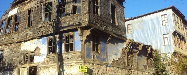 Yalova'da Tarihi Binalar Tek Tek Tescilleniyor