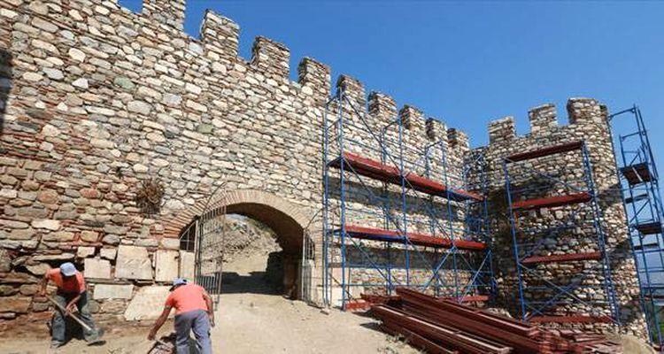 UNESCO Listesindeki Ayasuluk Kalesi Restore Ediliyor