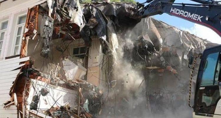 Eyüp Belediyesi Halit Paşa Konağı'nı Yıktı