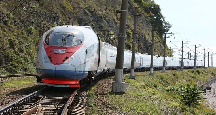 Bakü-Tiflis-Kars Demiryolu projesi ilk seferini yaptı