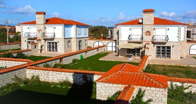 Alaçatı Taş Evler projesinde hemen teslim lüks villalar