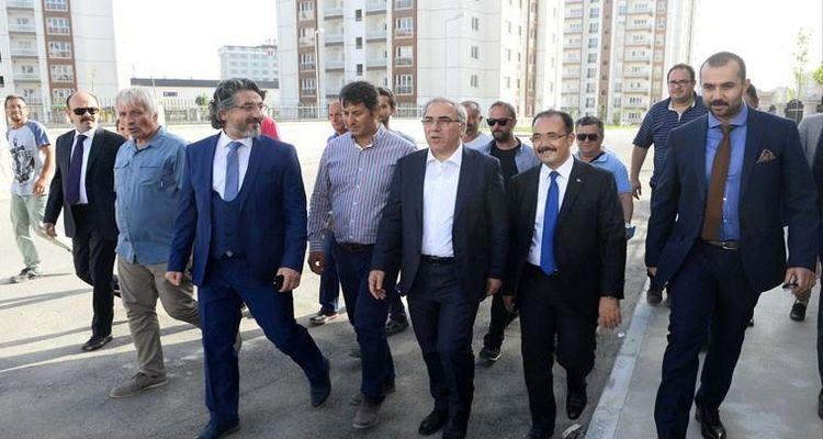 TOKİ Başkanı Ergün Turan Uşak'ta proje alanını ziyaret etti