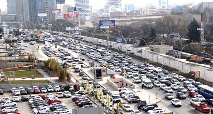 Ankara'da Yol yapım çalışmaları sürüyor