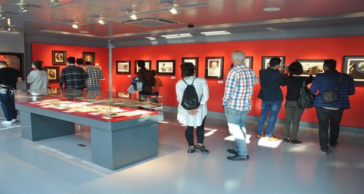 Folkart Gallery'deki Atatürk Sergisi 3 ay daha açık kalacak