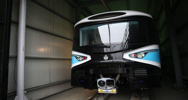 Mecidiyeköy-Mahmutbey metro hattında ilk araç raylara indirildi