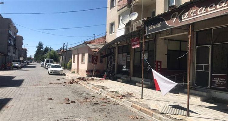 Denizli'deki depremde 59 bina ağır hasar gördü