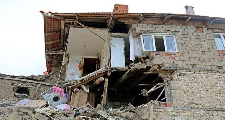 Ev alacaklara 'Ev alma, zemin al' uyarısı