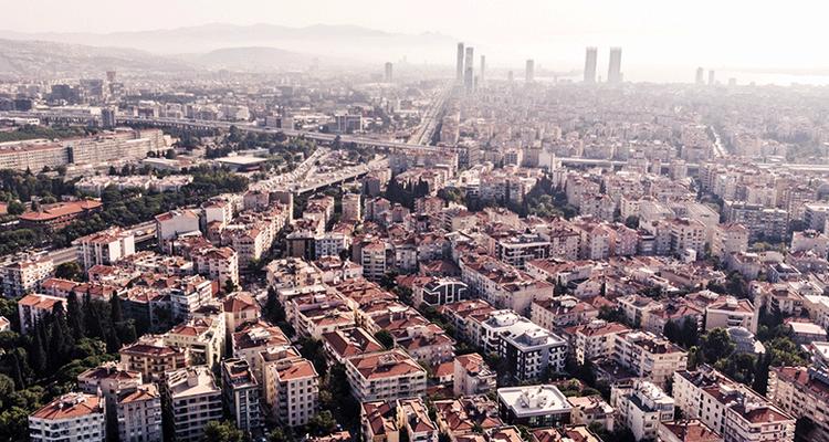 İzmir konut piyasası hareketli günler yaşıyor
