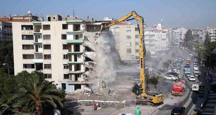 Bakanlık, 650 bin riskli yapının yıkımını gerçekleştirdi