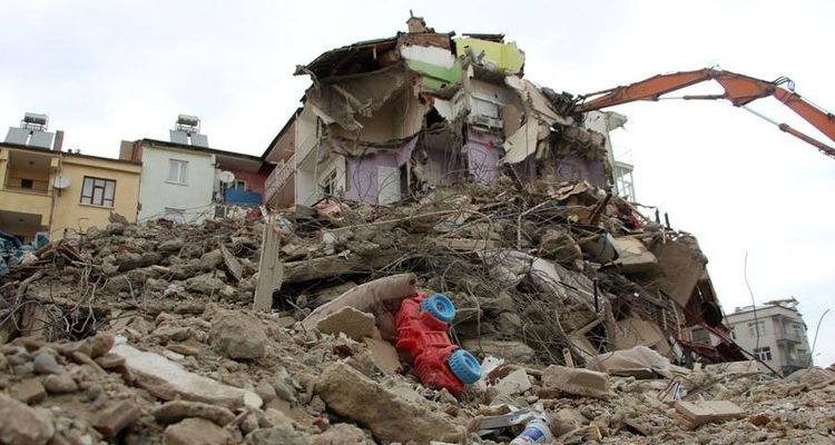 Deprem bölgesinde 2 milyon TL hasar ödemesi yapıldı