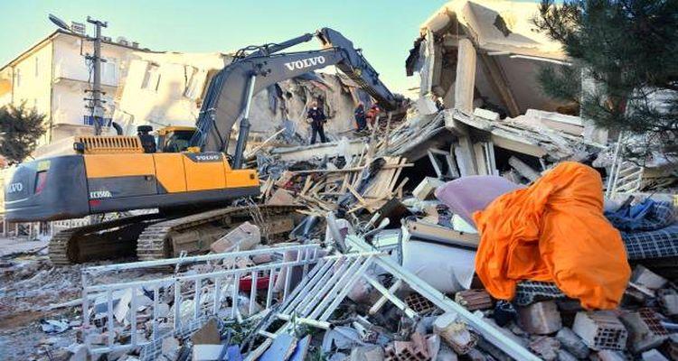 Elazığ'da acil yıkılması gereken 12 bin bina var