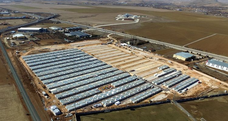 Elazığ'da kurulan konteyner kentlerde yaşam başladı