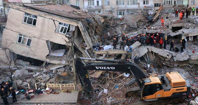 Elazığ'da yıkılan binaların malzemesinin bozuk olduğu belirlendi