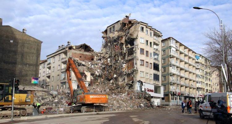 Elazığ'daki hasar tespit çalışmaları sürüyor