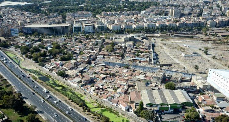 İzmir Ege Mahallesi'nde dönüşüm başlıyor