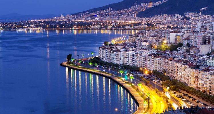 Konut sektörünün gözde şehri İzmir'de yatırımlar sürüyor