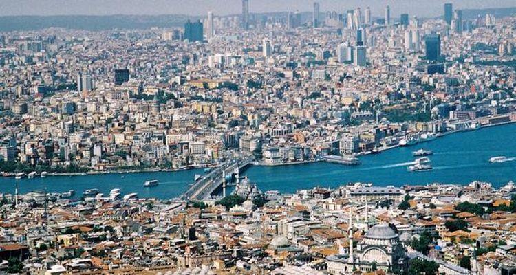 """""""3 milyon İstanbullu evsiz kalabilir"""""""