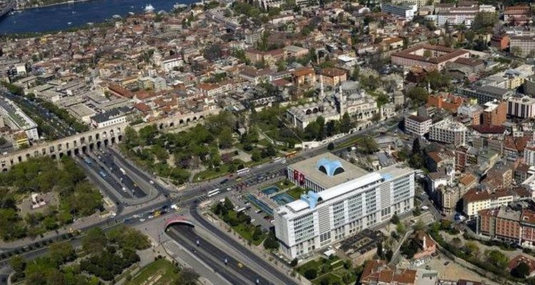Fatih'te 10 bin bina yenilenecek