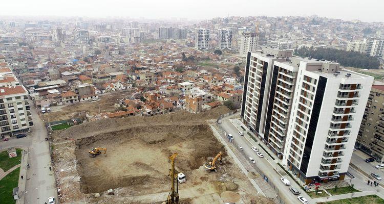 İzmir Örnekköy'de 170 konutun inşası başladı