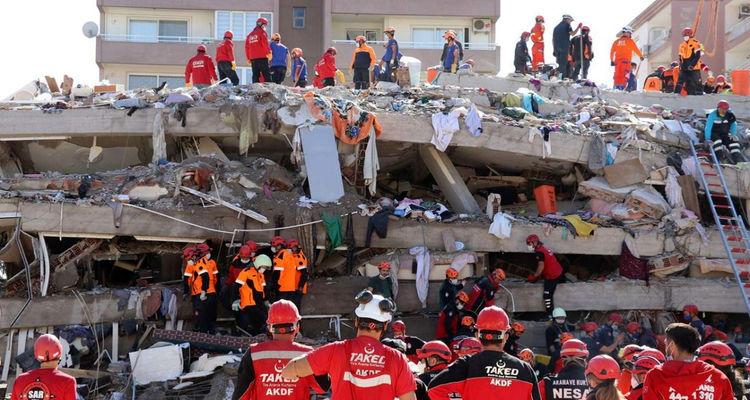 İzmir'de 11 bin binada hasar tespit edildi