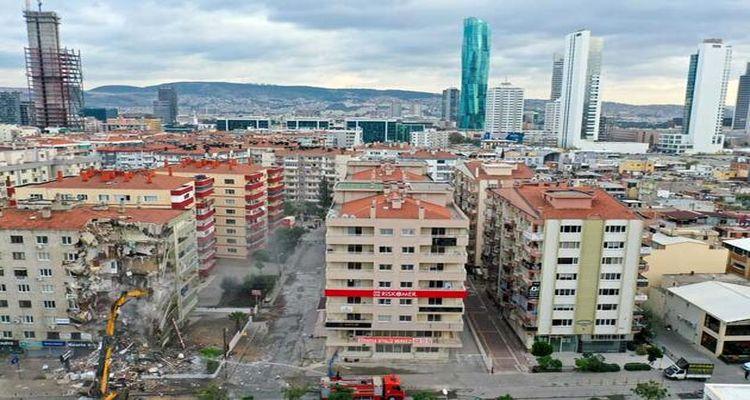 İzmir'de 647 bina yıkım bekliyor