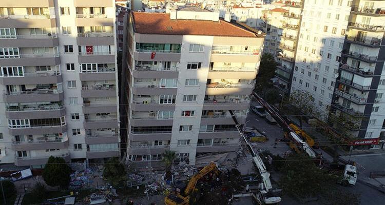 İzmir'de acil yıkılacak 26 bina belirlendi