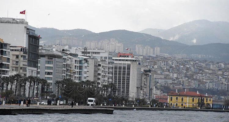 İzmir'de depremzedelerin kiralık ev arayışı başladı