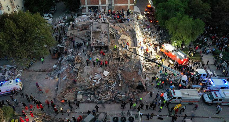 İzmir'de hasar tespit çalışmaları tamamlandı