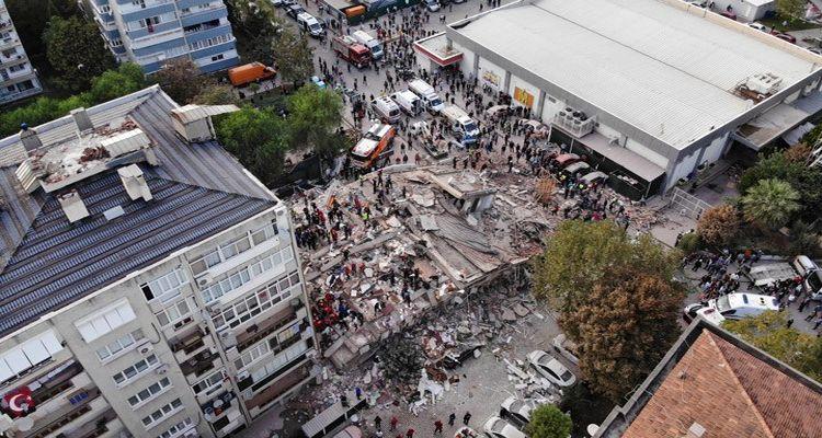 İzmir'de hasarlı binalarda deniz kumu tespit edildi