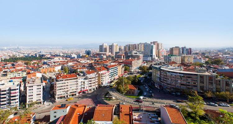 Öğrenci nüfusunun fazla olduğu şehirlerde evler boş kaldı