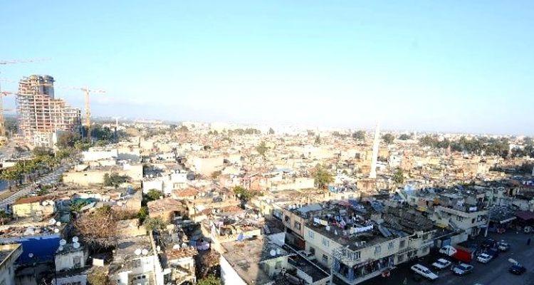 Adana Sinanpaşa'da dönüşüm kapsamında yıkım başladı