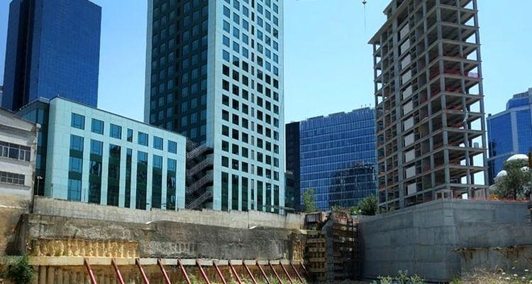 Boş kalan ofis binaları başka alanlara dönüştürülüyor