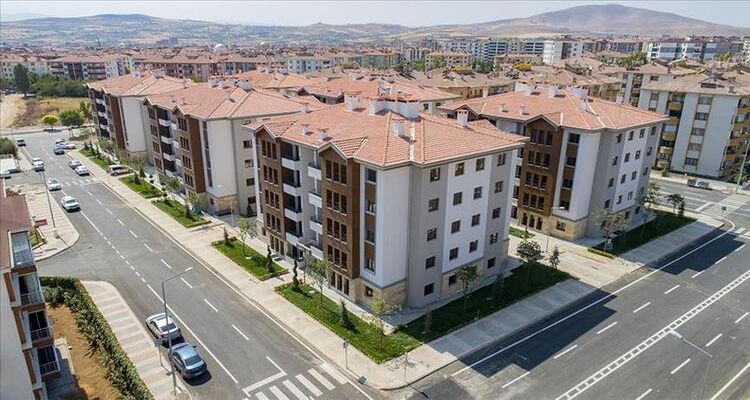 Erzurum Çat'ta depremzedeler için 575 konut inşa ediliyor