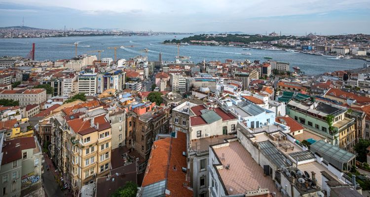 İstanbul'da yılın ilk 6 ayında 108 bin konut satıldı