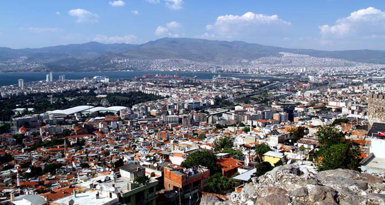 İzmir'de yılın ilk yarısında 31 bin konut satıldı