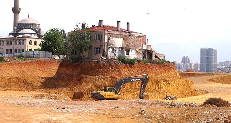 Fikirtepe'nin Simgesi 'Yalnız Ev' Törenle Yıkıldı