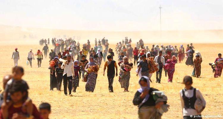Dolandırılan Mülteciler Valilik Önünde Toplandı!