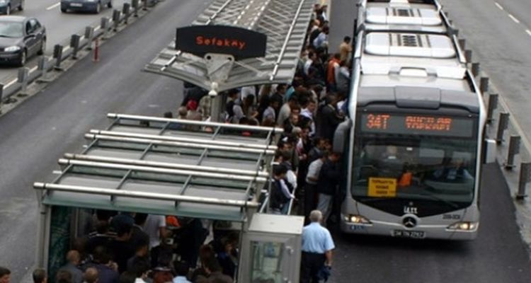Sefaköy Metrobüs İstasyonunda Engeller Kalkıyor!