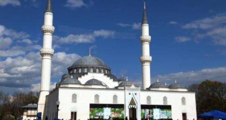 ABD'nin İlk İki Minareli Camisi Açıldı