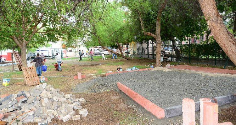 Adana Beyazevler Yalçın Park'ta İnşaat Girişimi Engellendi!