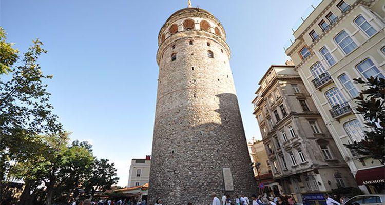 Galata Kulesi'nde Masa Krizi