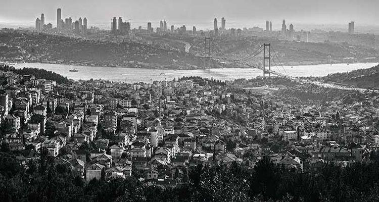 İstanbul'u Mahvediyorum Gözlerim Kapalı…