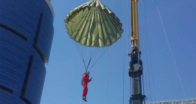 İstanbul'da Paraşütle Atlama Heyecanı Via Port'ta!